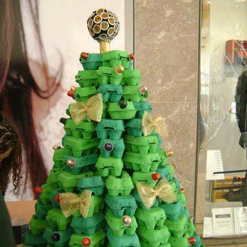 Si tenéis hijos, esta puede ser una buena actividad para el fin de semana. Hacer el árbol de Navidad ellos mismos!