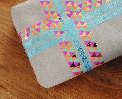 Utilizando las cintas adhesivas washi a modo de lazada